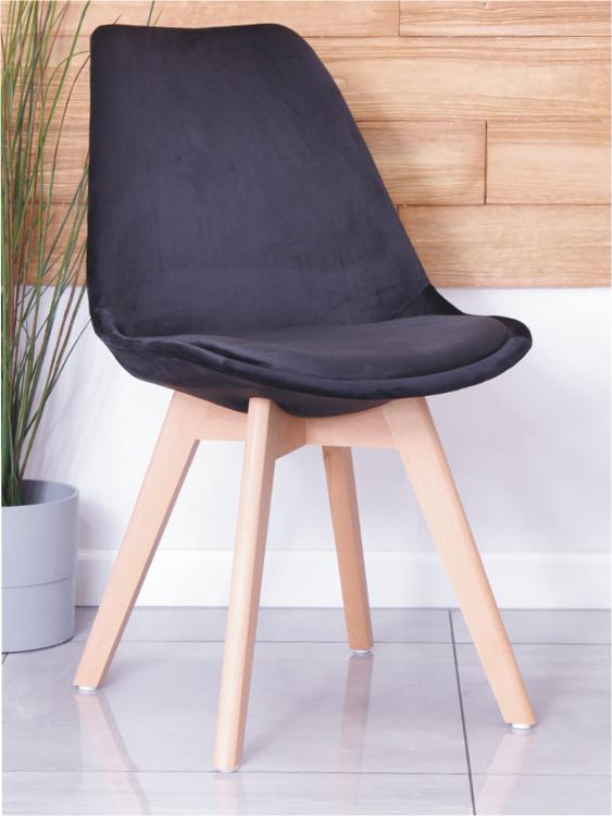 Krzesło tapicerowane CHARLIE TAP A czarny welur z bukowymi nogami